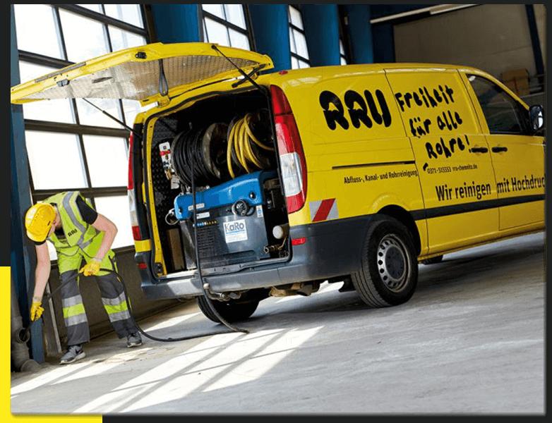 RRU GmbH - Mitarbeiter und Fahrzeug für Havariedienst